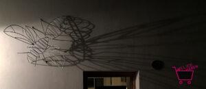 Hornisse aus Stahl geformt